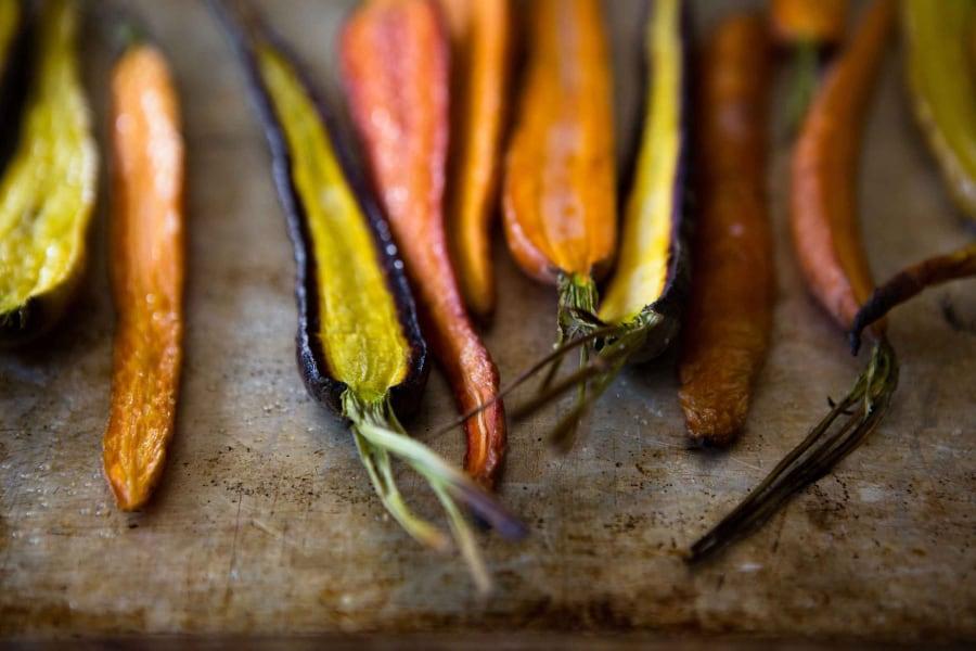 råvaror-catering-södertälje-morötter-palsternacka-grillad